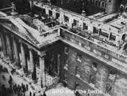 Budynek poczty po zniszczeniach